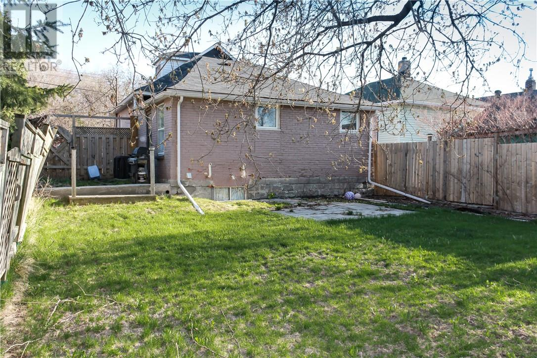 Listing 2094909 - Thumbmnail Photo # 14