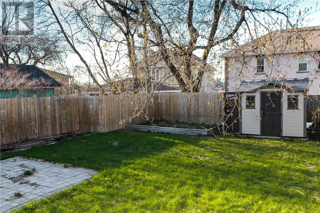 Listing 2094909 - Thumbmnail Photo # 15