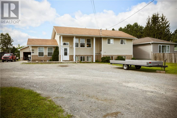 4771 HWY 69N, Val Therese