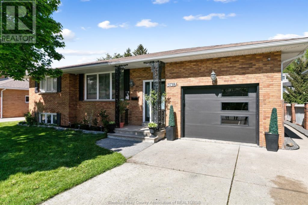 3738 DOUGALL AVENUE, Windsor
