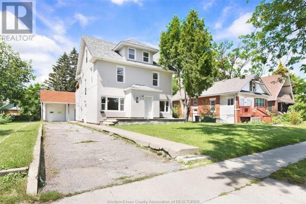 663 Campbell AVENUE, Windsor