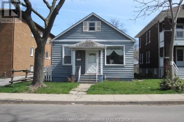 348 CAMPBELL, Windsor
