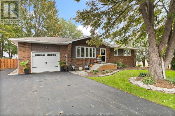 1414 COUNTY RD 27, Lakeshore