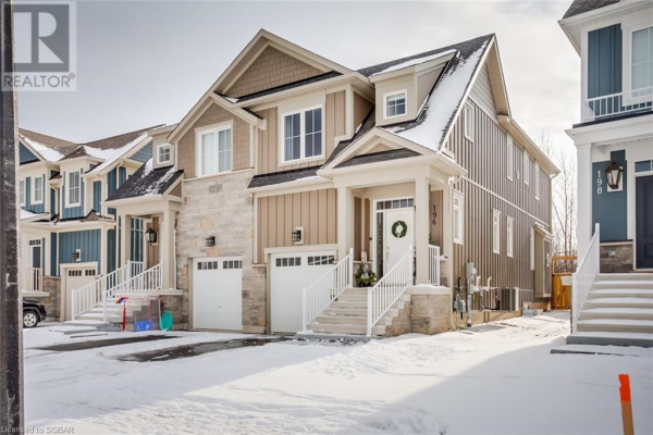 196 YELLOW BIRCH CRESCENT, The Blue Mountains