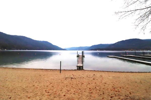 1634A WEST LAKE DRIVE, Christina Lake
