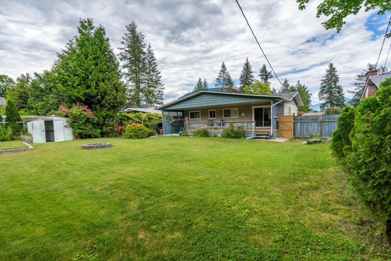 Listing 2453067 - Thumbmnail Photo # 7