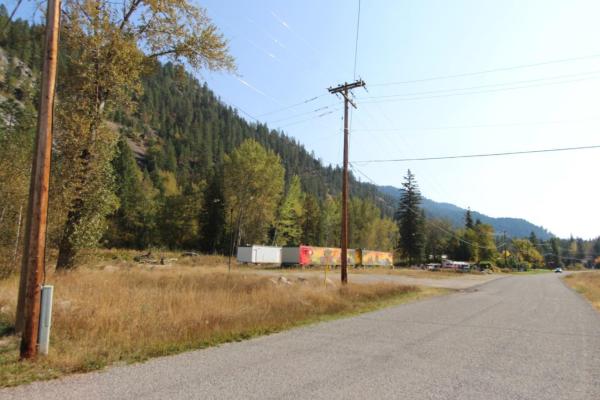 1770 SANDNER FRONTAGE ROAD, Christina Lake
