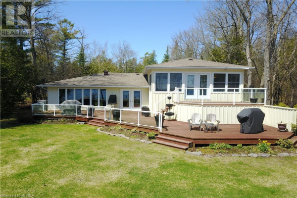 49 LAKEWOOD CRESCENT, Bobcaygeon