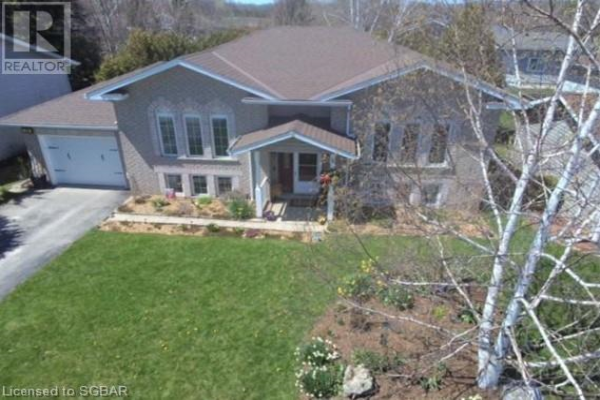 20 COUNTRY CRESCENT, Meaford