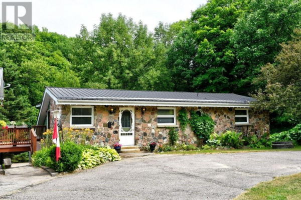 8335 9 COUNTY ROAD, Creemore