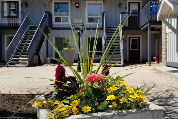 891 RIVER Road W Unit# 3, Wasaga Beach