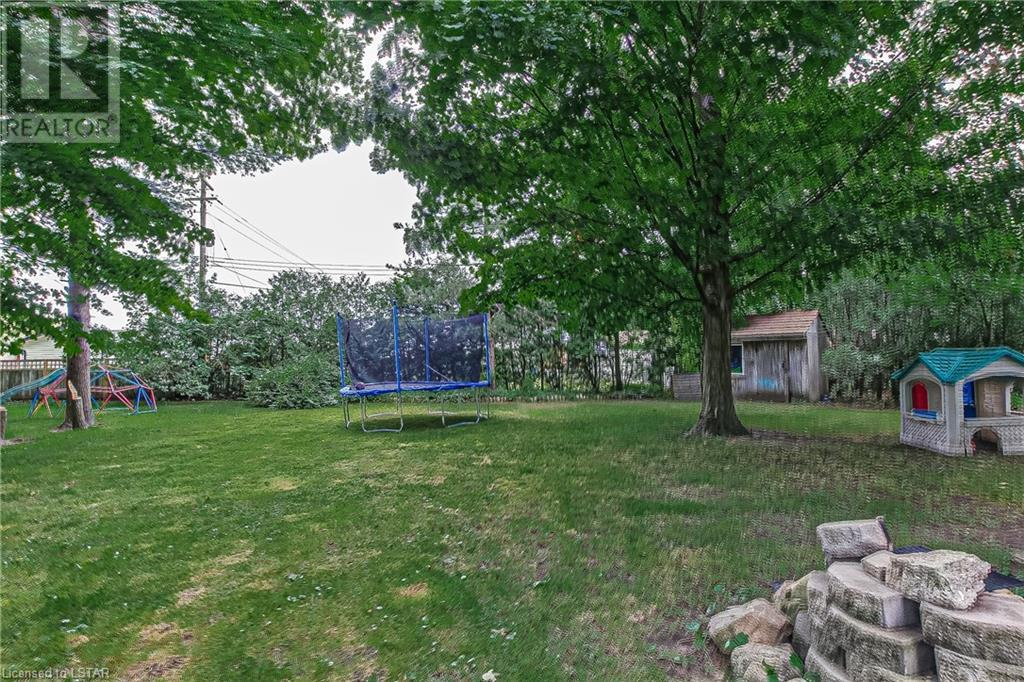 Listing 275371 - Thumbmnail Photo # 2