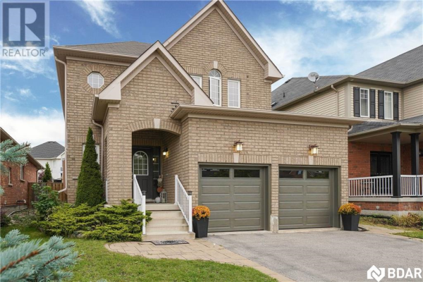 6 Connaught Lane, Barrie