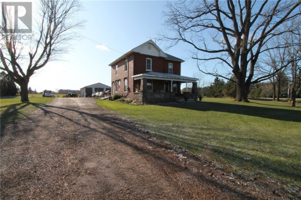 245 OAKLAND Road, Brant County