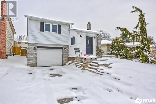 42 HICKLING Trail, Barrie