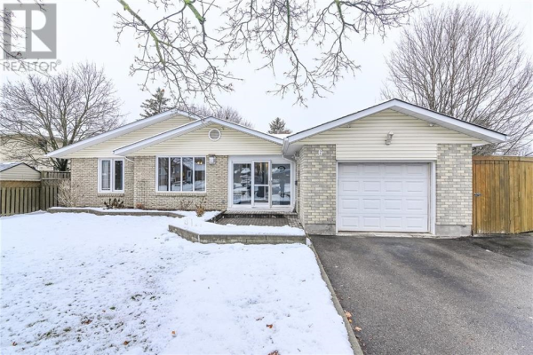 6 Stirling Place, Guelph