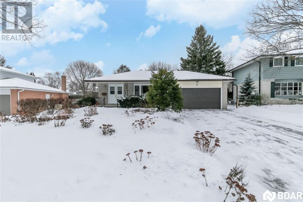 7 HILLCREST Road, Barrie