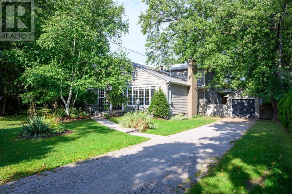 2057 LAKESHORE Road W, Oakville