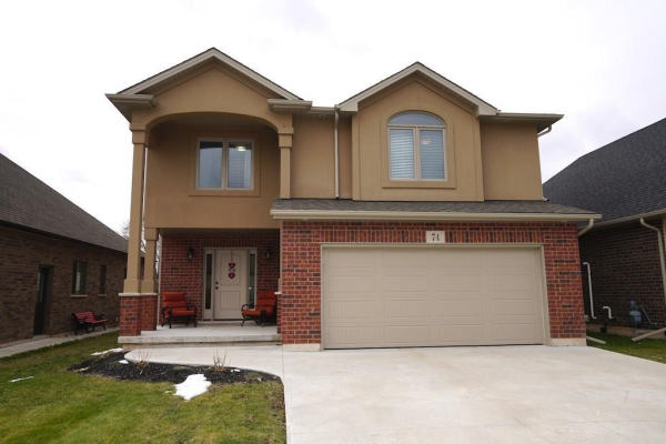 74 TANNER Drive, Fonthill
