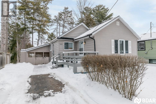 2059 25 Side Road, Innisfil