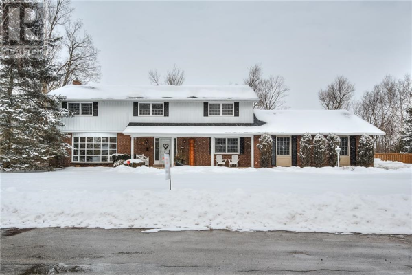 349 GREEN ACRES Drive, Waterloo