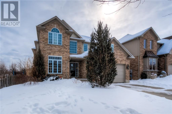 867 CREEKSIDE Drive, Waterloo