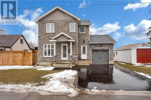 8 Freeborn Avenue, Brantford