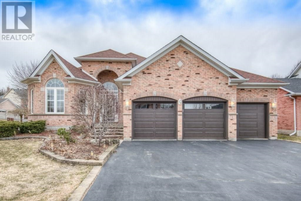 75 WINDRUSH Trail, Kitchener