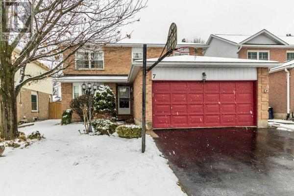 7 Parsons Court, Kitchener