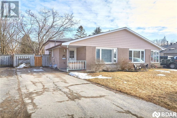 16 BURBANK Place, Barrie