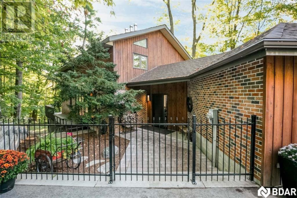 11 CRESTWOOD Drive, Barrie