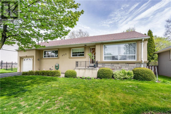 563 Wellington Crescent, Oakville