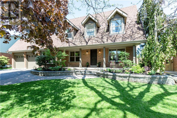 265 McCraney Street W, Oakville