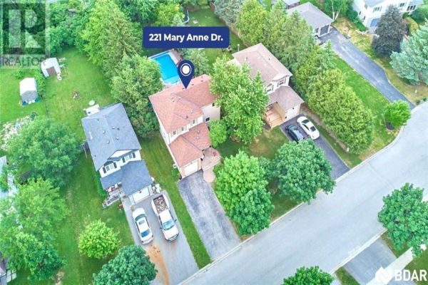 221 MARY ANNE Drive, Barrie