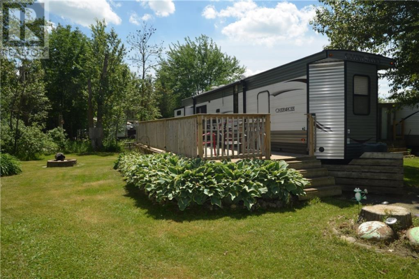 7489 SIDEROAD 5 . E Unit# Lakeside35, Mount Forest
