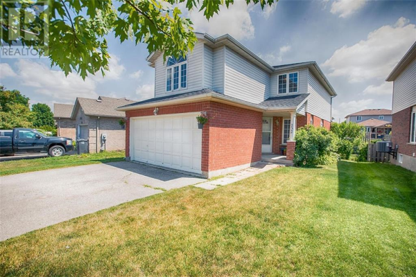 132 CLAIRFIELDS Drive W, Guelph