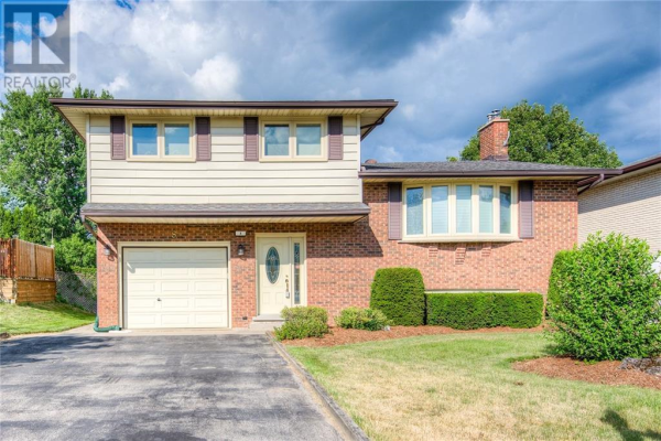 8 Coventry Drive, Kitchener