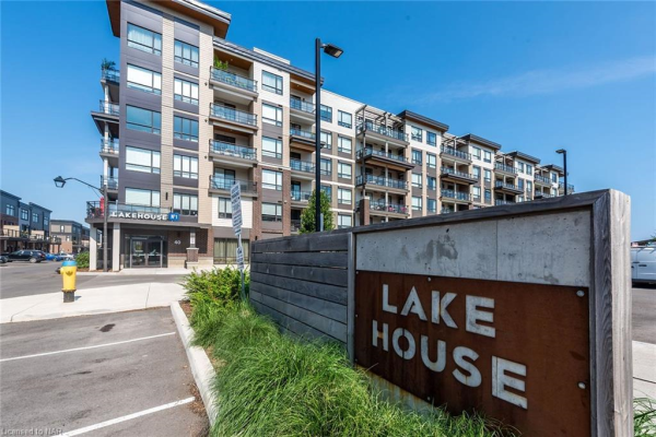 40 ESPLANADE Lane Unit# 415, Grimsby