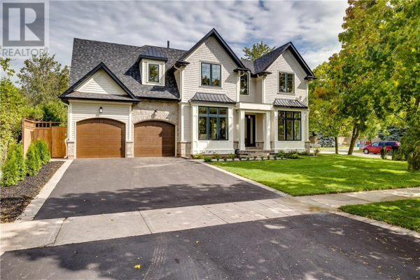 395 Sunset Drive, Oakville