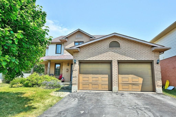 20 CROWE Court, Thorold