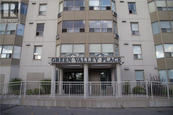1204 -  35 GREEN VALLEY Drive, Kitchener