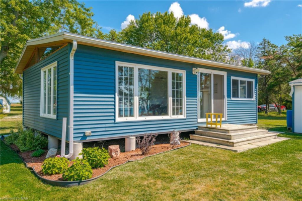 5 ERIE HEIGHTS Line, Dunnville