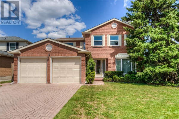5 OLD MAPLE Lane, Kitchener