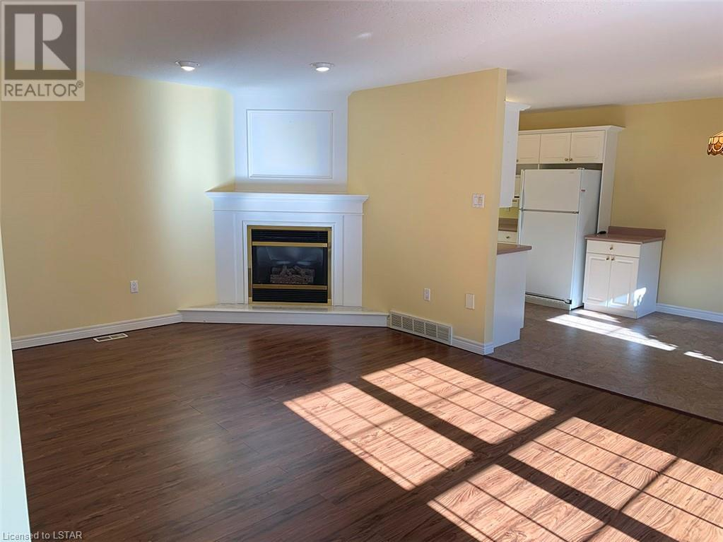 Listing 40009271 - Thumbmnail Photo # 4