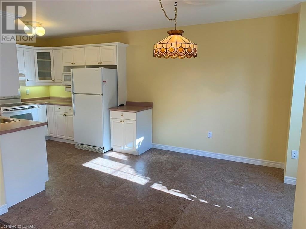 Listing 40009271 - Thumbmnail Photo # 8