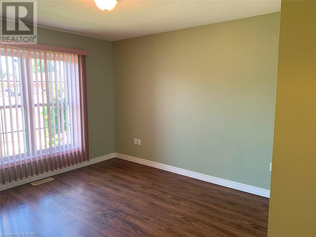 Listing 40009271 - Thumbmnail Photo # 9
