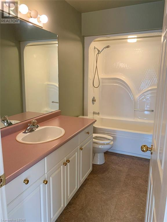 Listing 40009271 - Thumbmnail Photo # 11