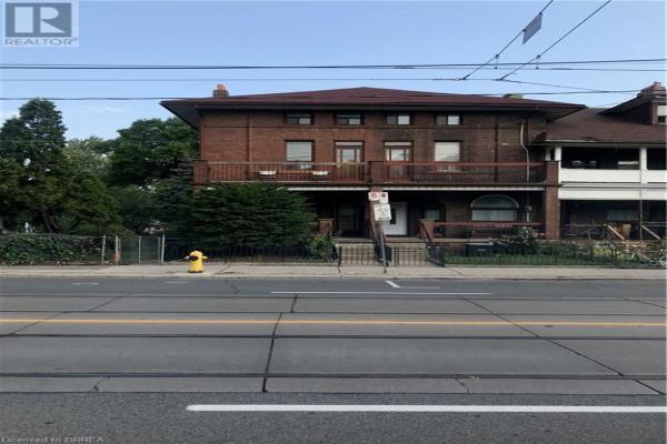 1100 DUNDAS Street W, Toronto
