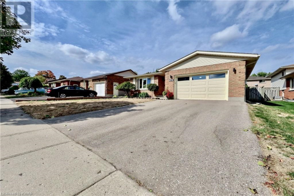 303 ROLLING MEADOWS Drive, Kitchener