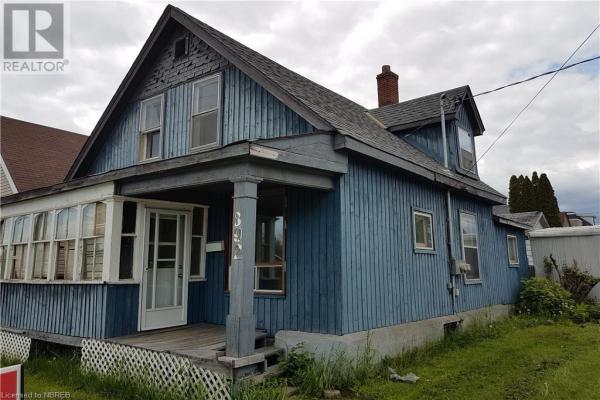 892 JOHN Street, North Bay